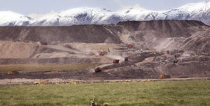 西藏地区抗议环境污染的群体性事件频发 受到当局打压