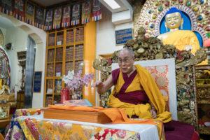 达赖喇嘛尊者为藏人青年学生传授佛教知识的法会圆满结束