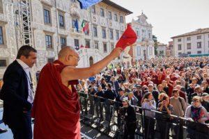 达赖喇嘛尊者在意大利比萨市发表公开演讲