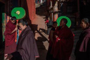 STEVEN LEE MYERS : 宗萨寺日志— 藏历新年,时报记者被拘留的17个小时
