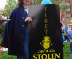 国际声援西藏运动将授予格丽丝·斯布林  (Grace Spring) 女士真理之光奖