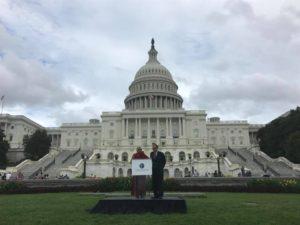 西藏前政治犯果洛晋美参加美国国际宗教自由活动并发表讲话