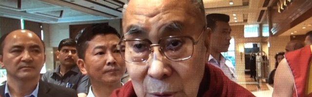达赖喇嘛尊者出院并感谢大家对他的关切和祝福