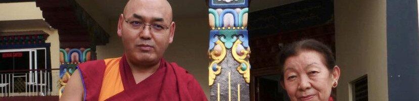 第十七届西藏人民议会选举产生议长和副议长